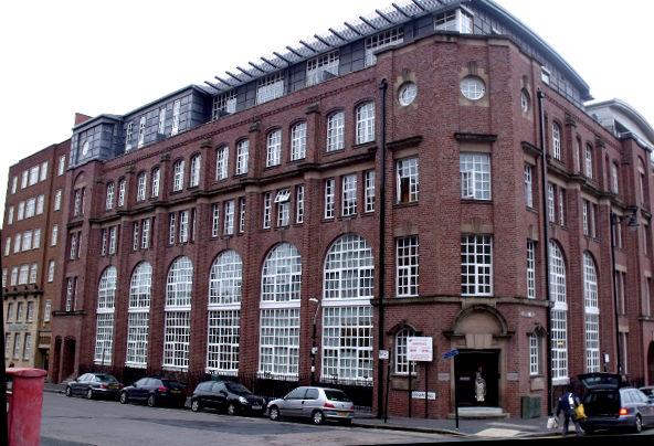 イギリス・バーミンガム都市のロフトアパートメント